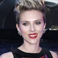 Scarlett Johansson thinks Chris Hemsworth is sexier