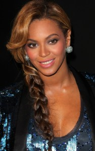 Beyonce gets playful with a messy braid ponytail. *Photo Credit: Vibevixen