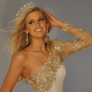 Allyn Rose Wearing the Miss District of Columbia Crown