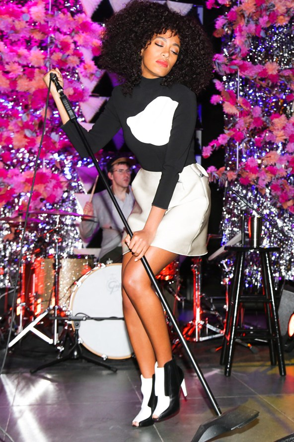 Solange Knowles rocking monochrome mod! Image from Glamour.