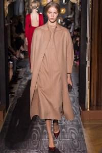 valentino-fall-2013-couture-36