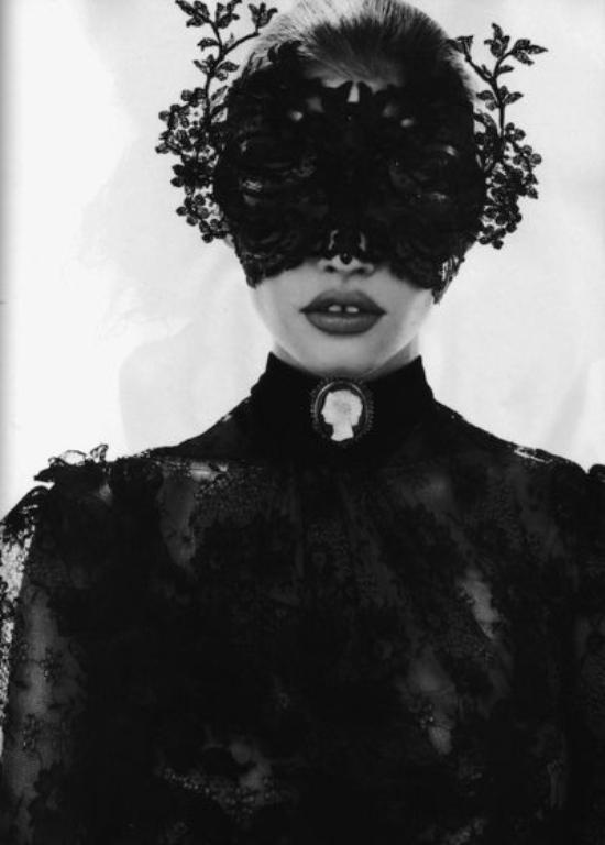 high-fashion-halloween-mask1
