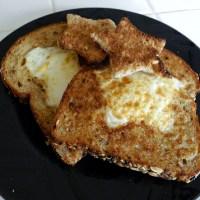 A Simple Breakfast: Eggs in a Basket