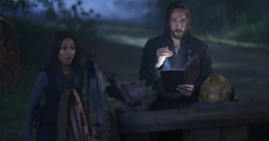 SleepyHollow_202_Crane_Abbie_begin_the_spell_0602_hires1