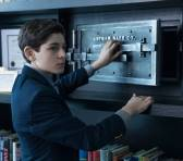 GOTHAM: Bruce (David Mazouz) discovers Sid BunderslawÕs safe in ÒThe Anvil or the HammerÓ episode of GOTHAM airing Monday, April 27 (8:00-9:00 PM ET/PT) on FOX. ©2015 Fox Broadcasting Co. Cr: Jessica Miglio/FOX.