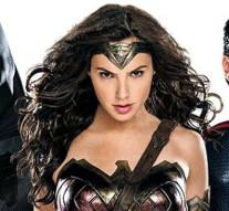 Featured_Batman-WonderWoman-Superman_EW