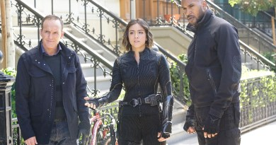 "MARVEL'S AGENTS OF S.H.I.E.L.D. - ""Devils You Know"" - Having reluctantly agreed to share information with Rosalind and the ATCU, Coulson and the team go in search for the Inhuman who is killing off other Inhumans, and May feels that Hunter's mission to take down Ward is getting too personal, on ""Marvel's Agents of S.H.I.E.L.D.,"" TUESDAY, OCTOBER 20 (9:00-10:00 p.m., ET) on the ABC Television Network. (ABC/Kelsey McNeal) CLARK GREGG, CHLOE BENNET, HENRY SIMMONS"