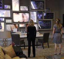 """""""Livewire"""" -- When an accident transforms a volatile CatCo employee into the villainous Livewire, she targets Cat (Calista Flockhart, left) and Supergirl (Melissa Benoist, right), on SUPERGIRL, Monday, Nov. 16 (8:00-9:00 PM, ET/PT) on the CBS Television Network. Photo: Darren Michaels/Warner Bros. Entertainment Inc. © 2015 WBEI. All rights reserved."""