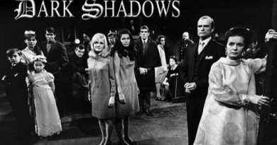 Dark Shadows 50th Anniversary Halloween in Hollywood unites original cast members