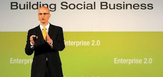 John-Stepper-Deutsche-Bank-Enterprise-2-0-Social-Media-Speaker-Book-Working-Out-Loud-New-York-City-NYC-crop2