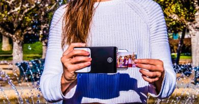 Prynt Cases Let You Print Photos from Your Smartphone