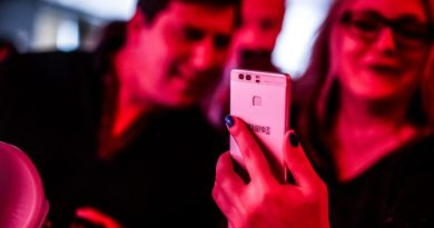 Why We Cling to the Smartphone