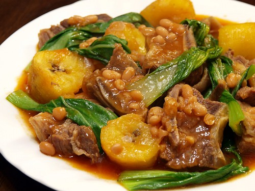 Puchero, which translates to stew pot, is a dish with beef in bananas and tomato sauce