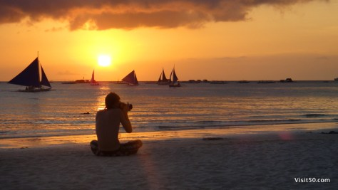 Julian captures the Boracay sunset with his SLR
