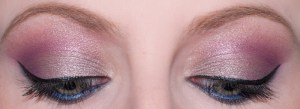 rose fuschia Eyes Of The Day bleu