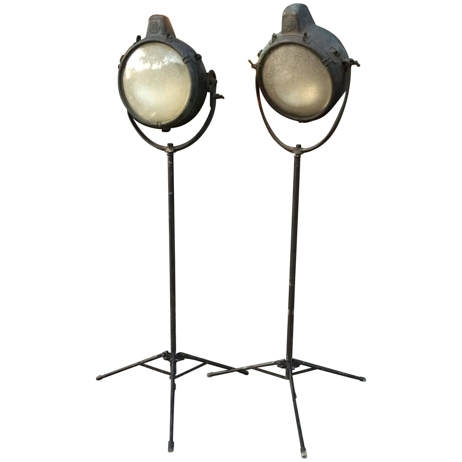 Gorgeous Industrial Ge Copper Search Light Lamp Sale At Industrial Lamps Canada Industrial Lamp Vintage houzz-02 Industrial Floor Lamp