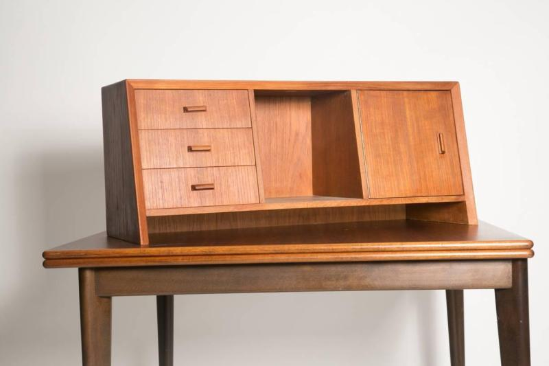 Large Of Desk With Hutch