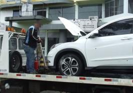 Marcas da violência: ficaram os furos na lataria do Hyundai