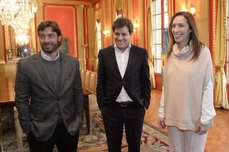 El ministro de Gobierno, Federico Salvai; Facundo Manes; y María Eugenia Vidal
