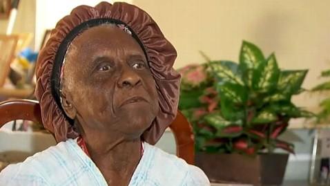 abc train singer nt 130307 wblog Elderly Woman Thrown Off Train For Singing