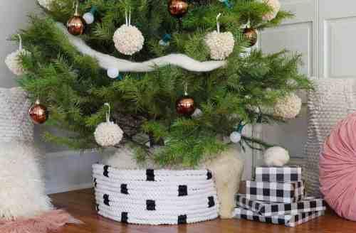 Medium Of Christmas Tree Collar