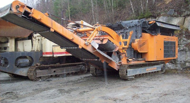 construction-equipment-crushing-plantHARTL-rockster-d11001200---1_big--15021213373590939200