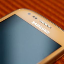 Samsung releases Galaxy SIII mini to match iPhone 5 real estate; sells for PHP 14,990.00