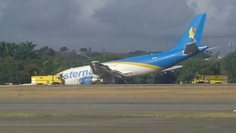 Susto: Avião faz pouso forçado no Recife e pista fica fechada por 40 minutos