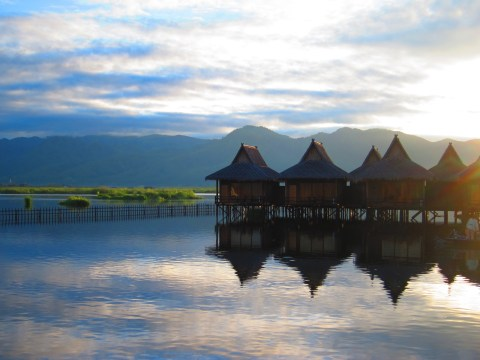 inle lake myanmar sunset
