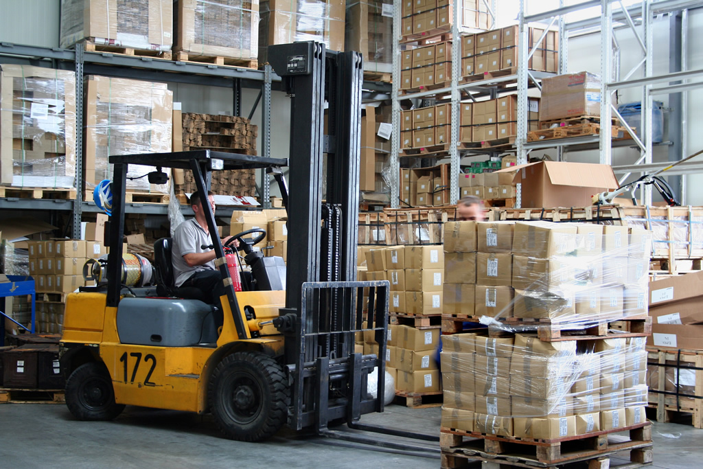7 Direct (and Indirect) Ways Tracking Inventory Can Benefit Your Business