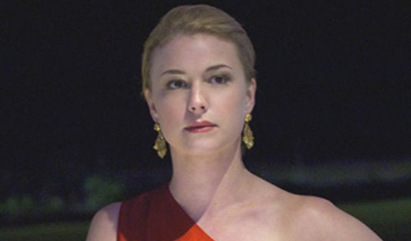 Emily Van Camp as Emily Thorne in Revenge