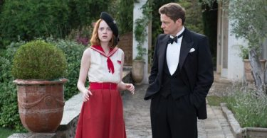 Stanley (Colin Firth) walks with Sophie (Emma Stone) as she sees a vision