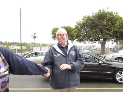 Cam High says good-bye to Principal Glenn Lipman