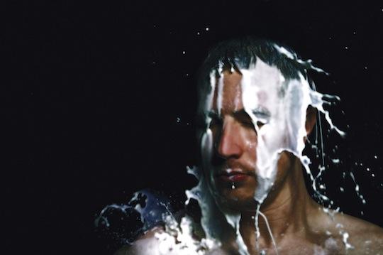 Kris Menace - Features