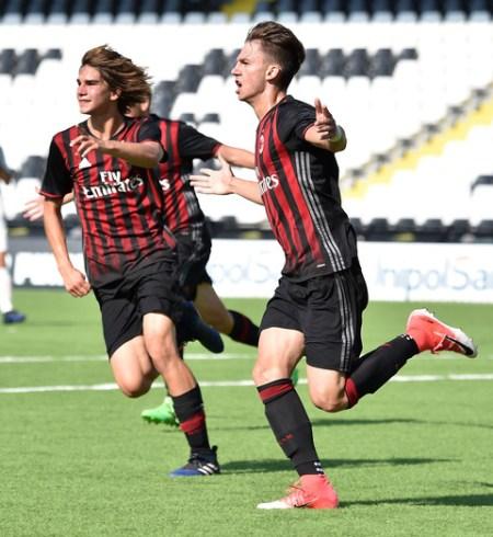 Gabriele+Basani+Roma+v+AC+Milan+U16+Serie+2w-pnzrtkfxl
