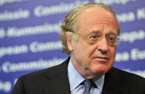 Chief Executive Officer of Italian compagny ENI Paolo Scaroni gives a press conference  with Commissioner for Competiton Neelie Kroes on Febuary 4, 2010 at the EU headquarters in Brussels. ENI propose to sell three gas pipelines to avoid an EU fine in an antitrust case. AFP PHOTO  GEORGES GOBET / AFP PHOTO / GEORGES GOBET