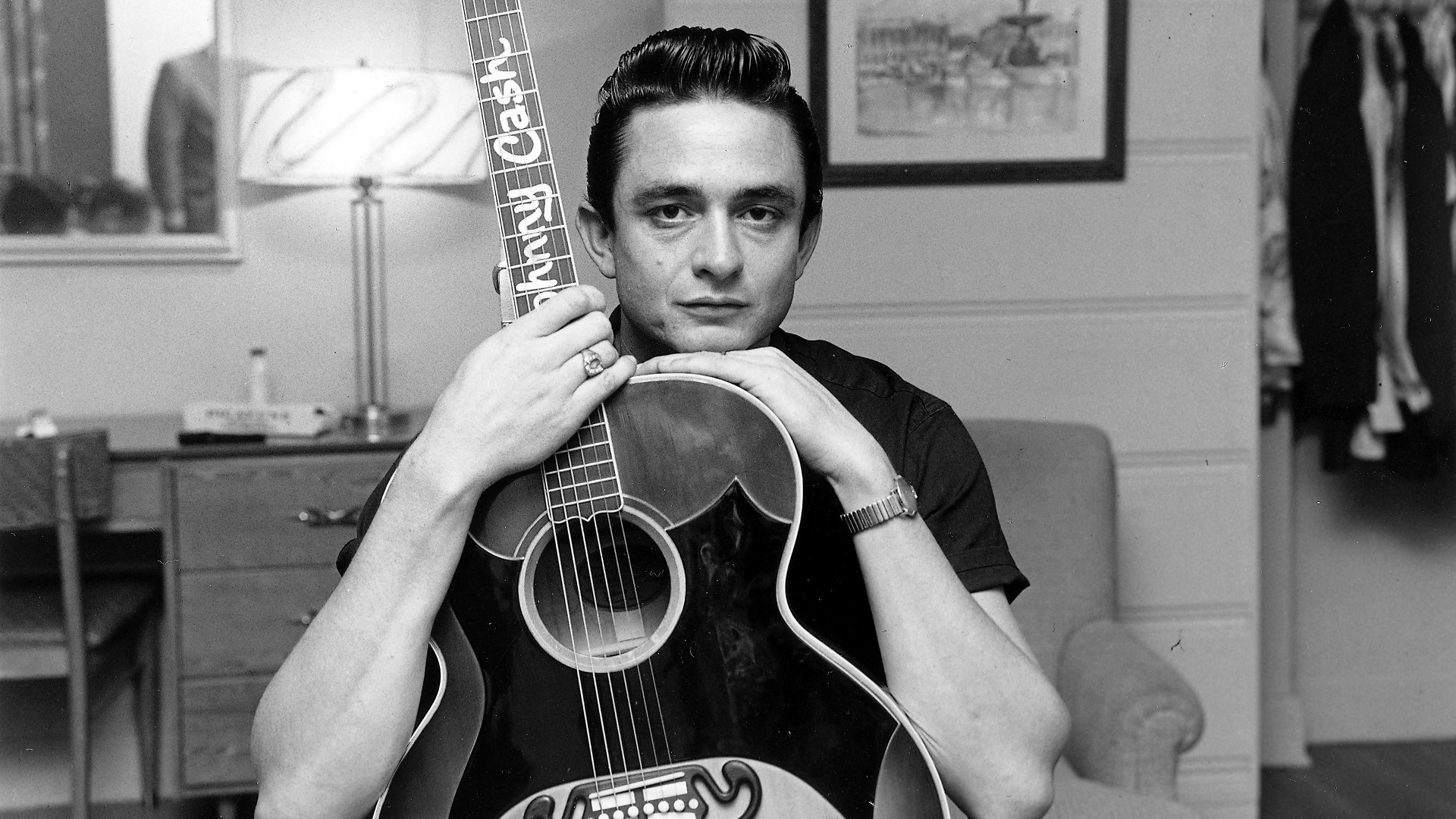Want to Play Like Johnny Cash? Learn the Boom-Chuck Rhythm in 3 Easy Steps