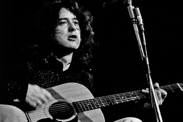 AG304_jimmy_page