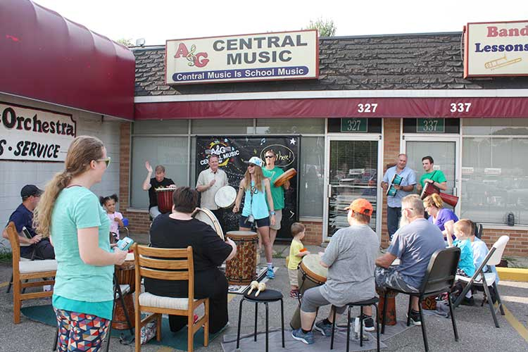 A&G Central Music drum circle – whitney cash