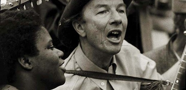 pete-seeger-singing