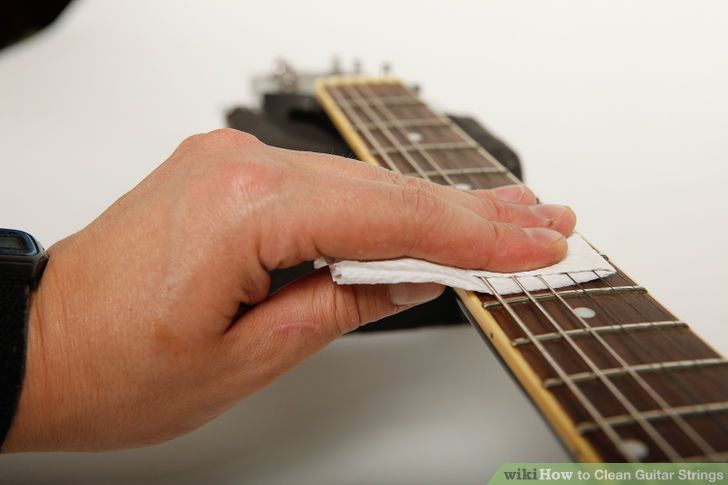 clean-guitar-strings-step-4