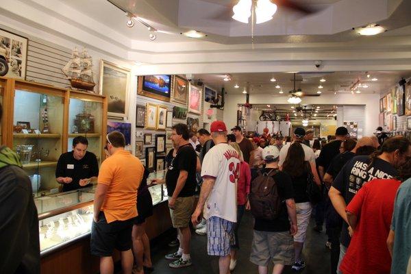 Las Vegas   Loja de Penhores   O interior da loja