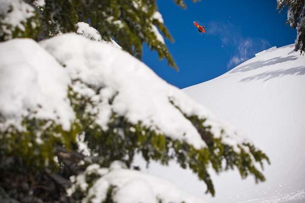 686-snowboarding-2013-fall-winter-lookbook-07