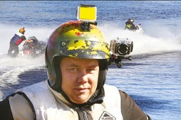 Man Sets World Record Traveling 212 km Over Water on Snowmobile