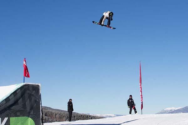 darcy_sharpe_mens_snowboard_slopestyle_finals_dew_tour_breckenridge_kanights_01
