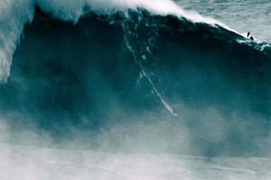 Massive Surfing Wipeouts – Nazare