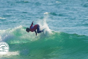 2017 Junior Pro Espinho Highlights: Fierro & Zarra Lead Round 1 in Espinho
