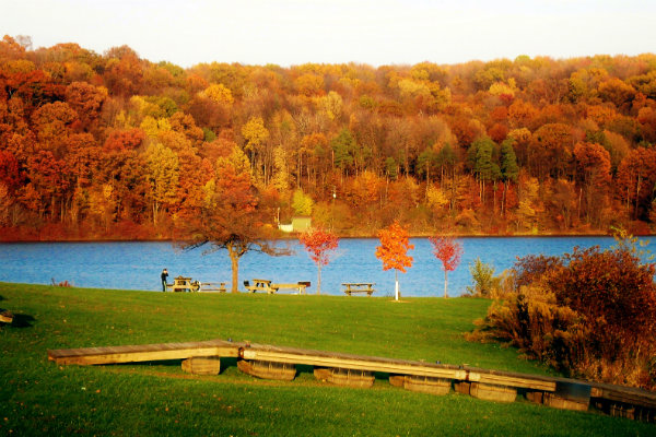 a view of lake arthur at moraine state park north of pittsburgh