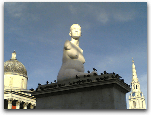 Alison Lapper Pregnant sculpture by Marc Quinn - photo Kokeshi
