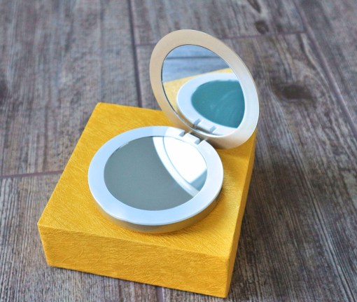 pearl compact mirror power bank